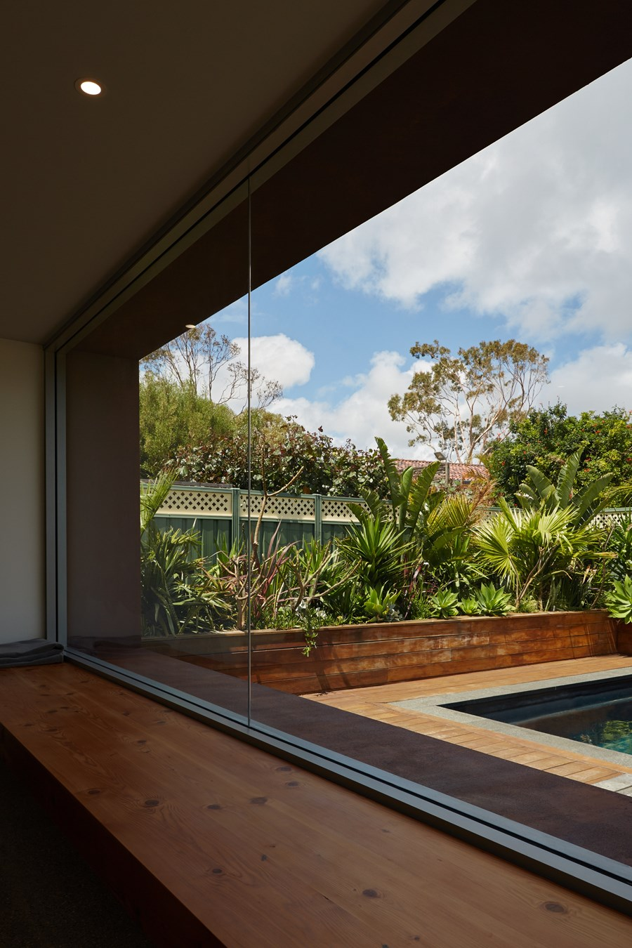 The Boulevard, City Beach house by Mark Aronson Architecture 16