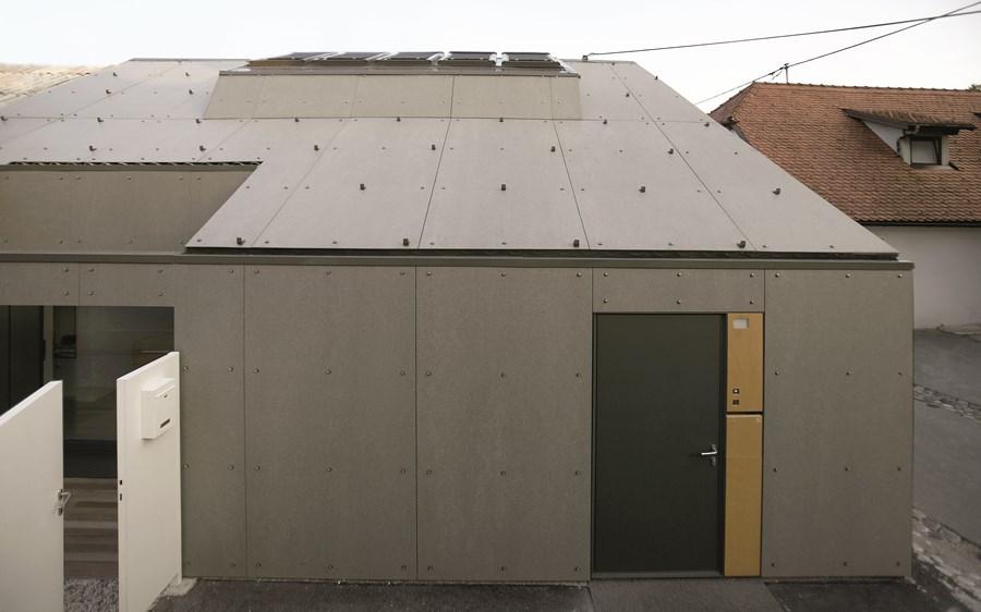 XXS house by Dekleva Gregoric Arhitekti 14