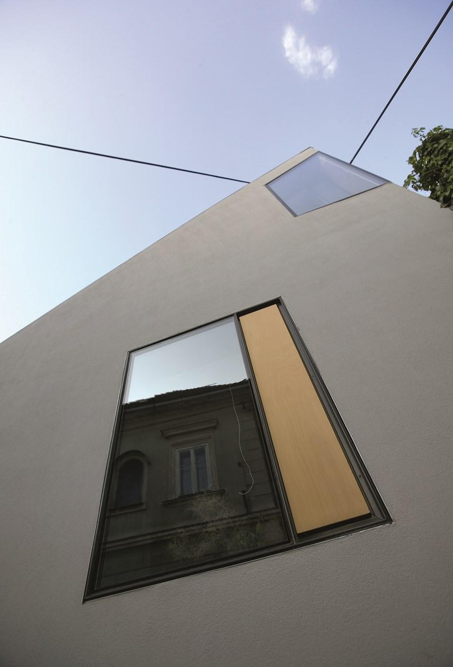 XXS house by Dekleva Gregoric Arhitekti 15