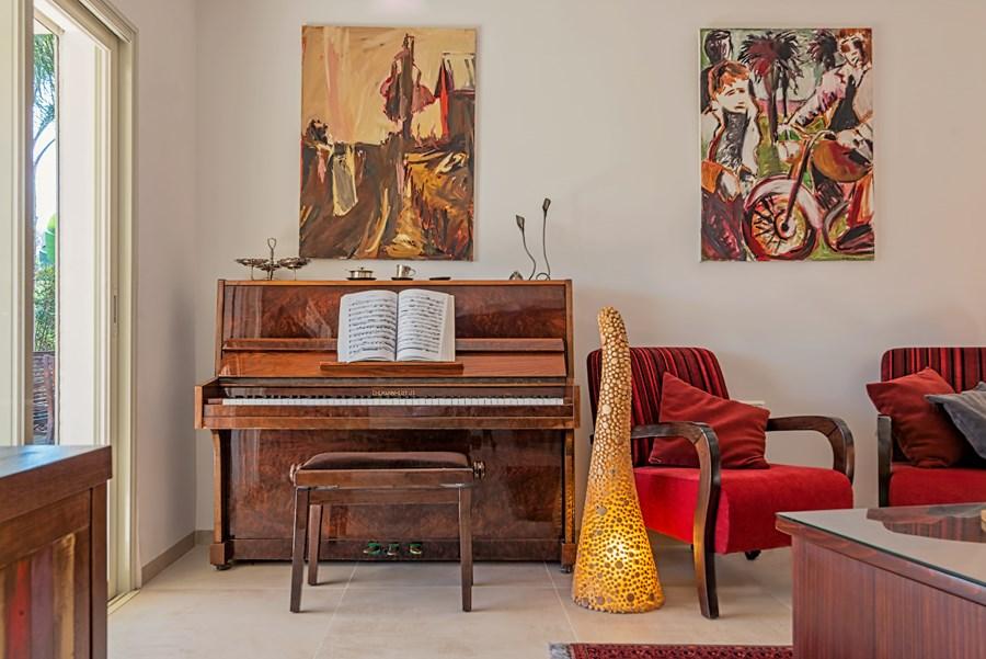 Apartment in Haifa by Irena Elbaz 04