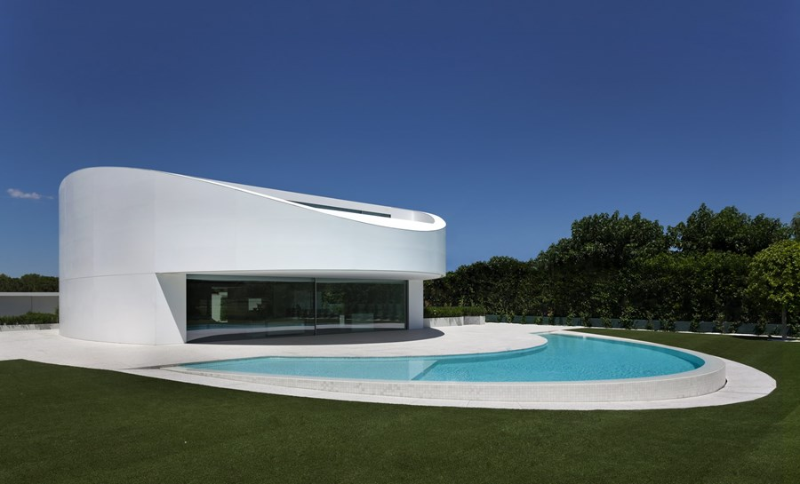 Balint House by Fran Silvestre Arquitectos 02