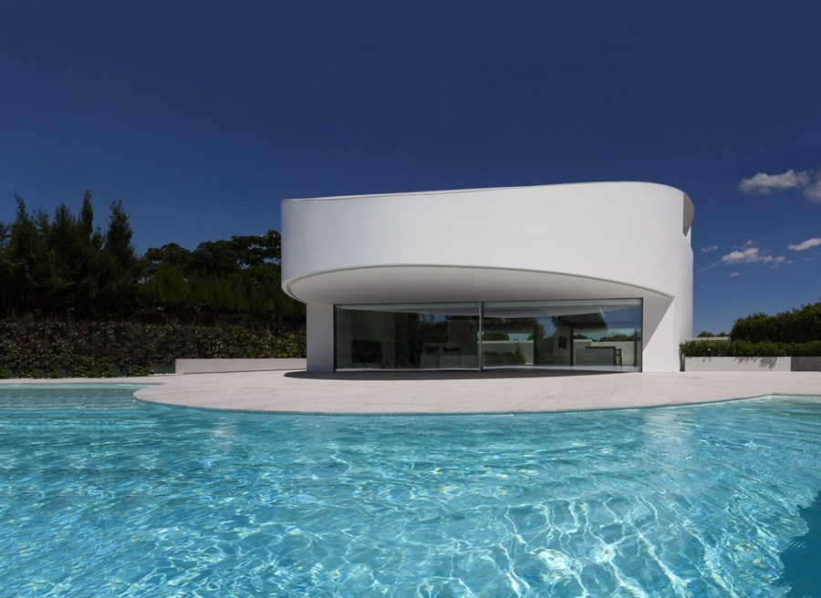 Balint House by Fran Silvestre Arquitectos 03