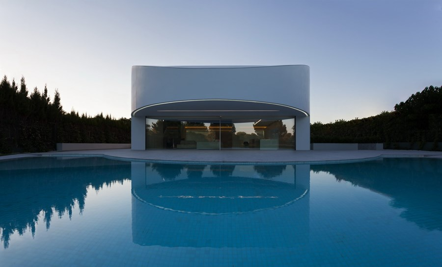 Balint House by Fran Silvestre Arquitectos 04