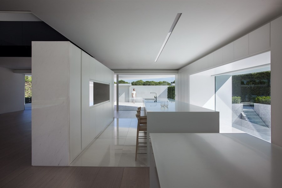 Balint House by Fran Silvestre Arquitectos 08
