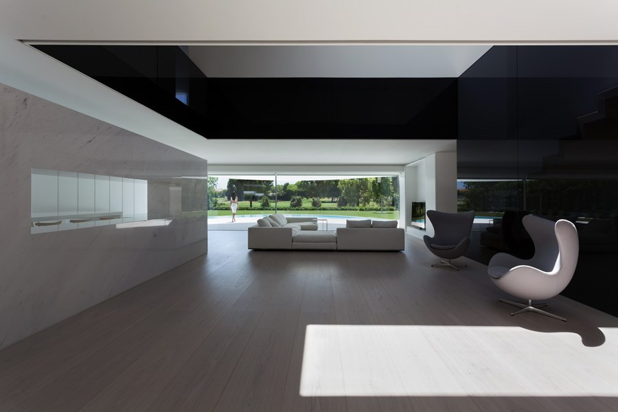 Balint House by Fran Silvestre Arquitectos 10