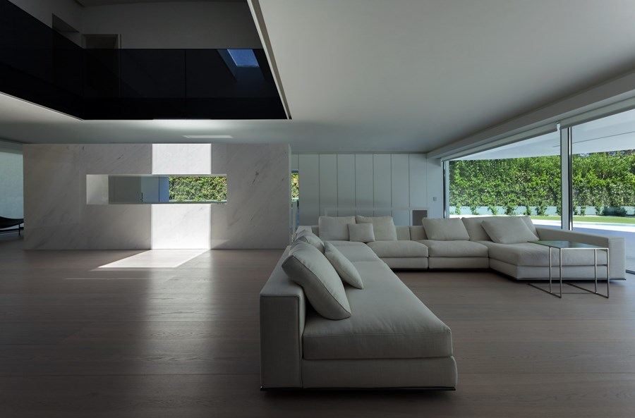 Balint House by Fran Silvestre Arquitectos 12