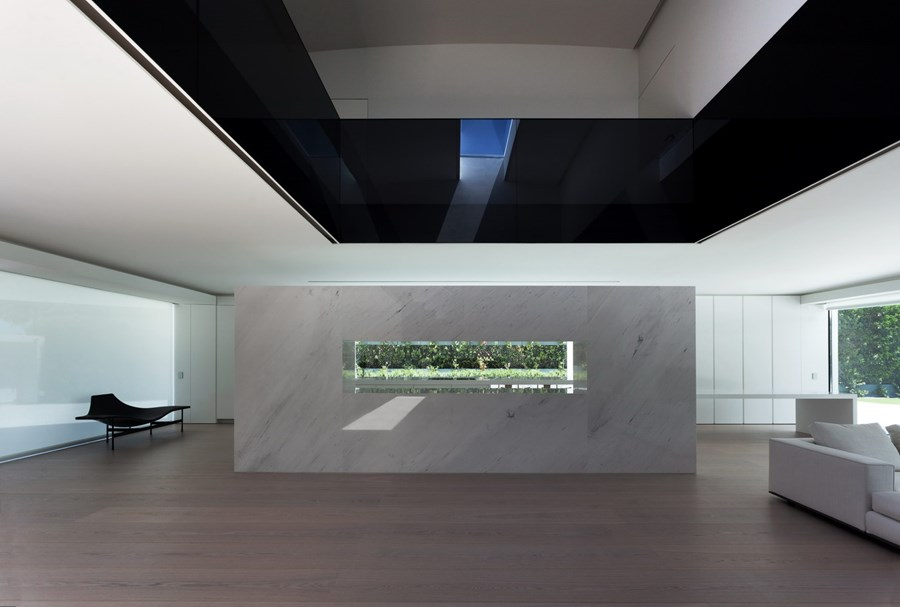 Balint House by Fran Silvestre Arquitectos 13