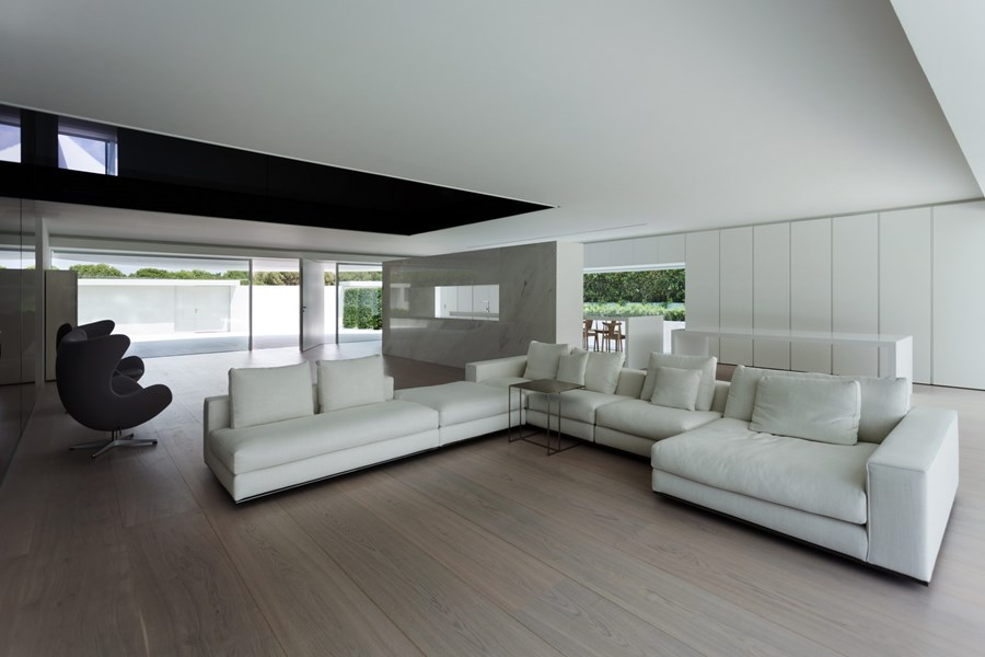 Balint House by Fran Silvestre Arquitectos 14