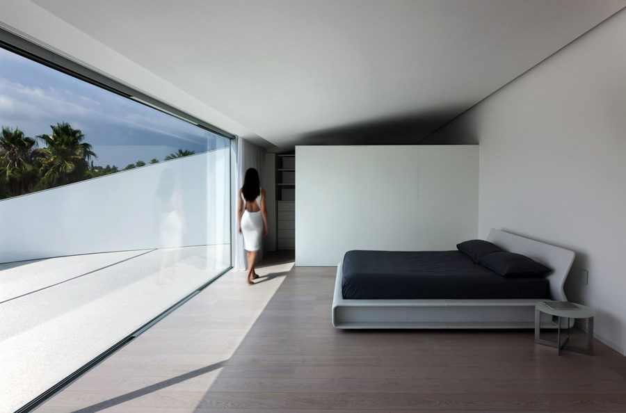 Balint House by Fran Silvestre Arquitectos 18