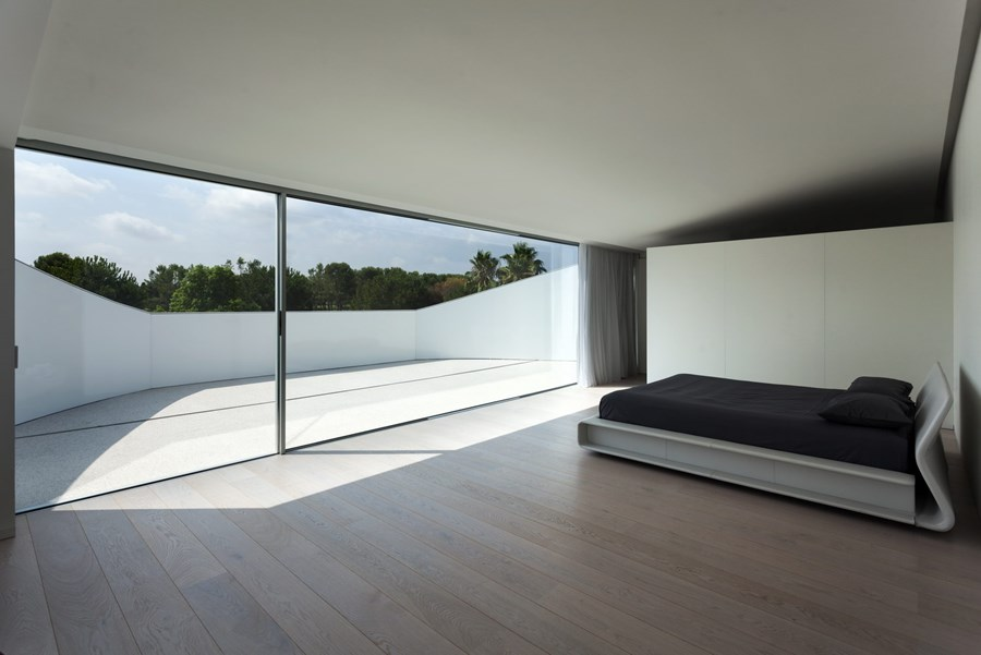 Balint House by Fran Silvestre Arquitectos 19
