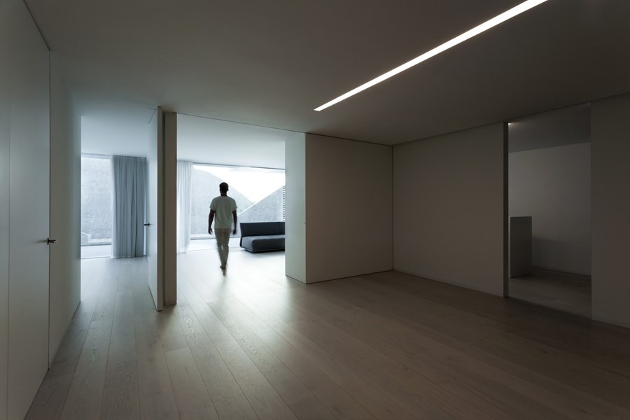 Balint House by Fran Silvestre Arquitectos 20