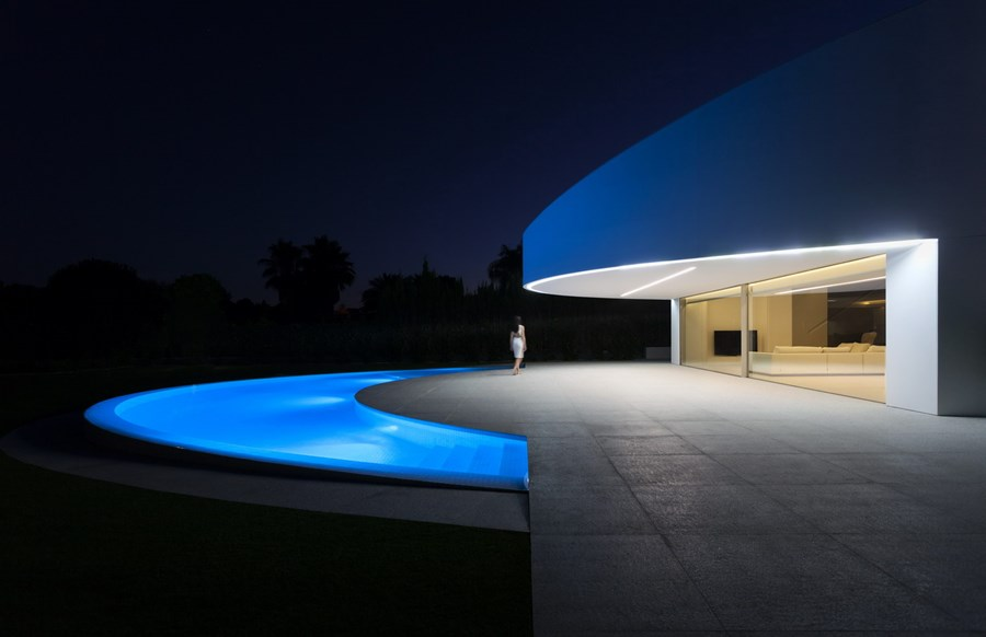 Balint House by Fran Silvestre Arquitectos 25