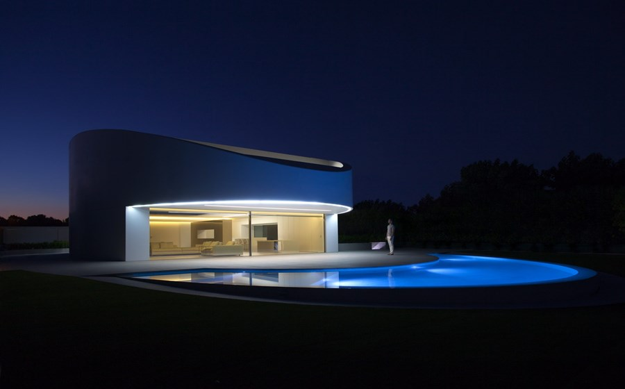 Balint House by Fran Silvestre Arquitectos 28