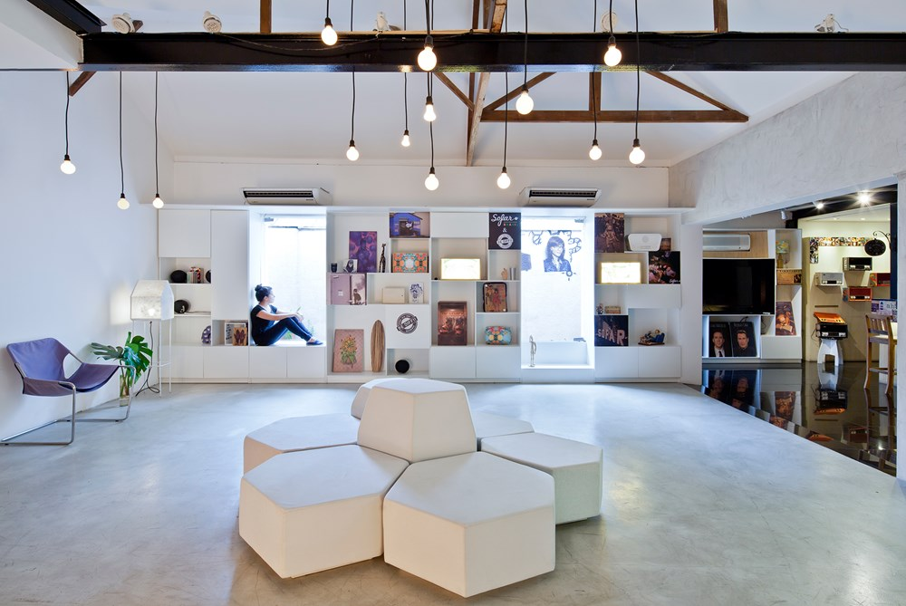 Bediff Exhibition Space by ESTUDIO BRA 03