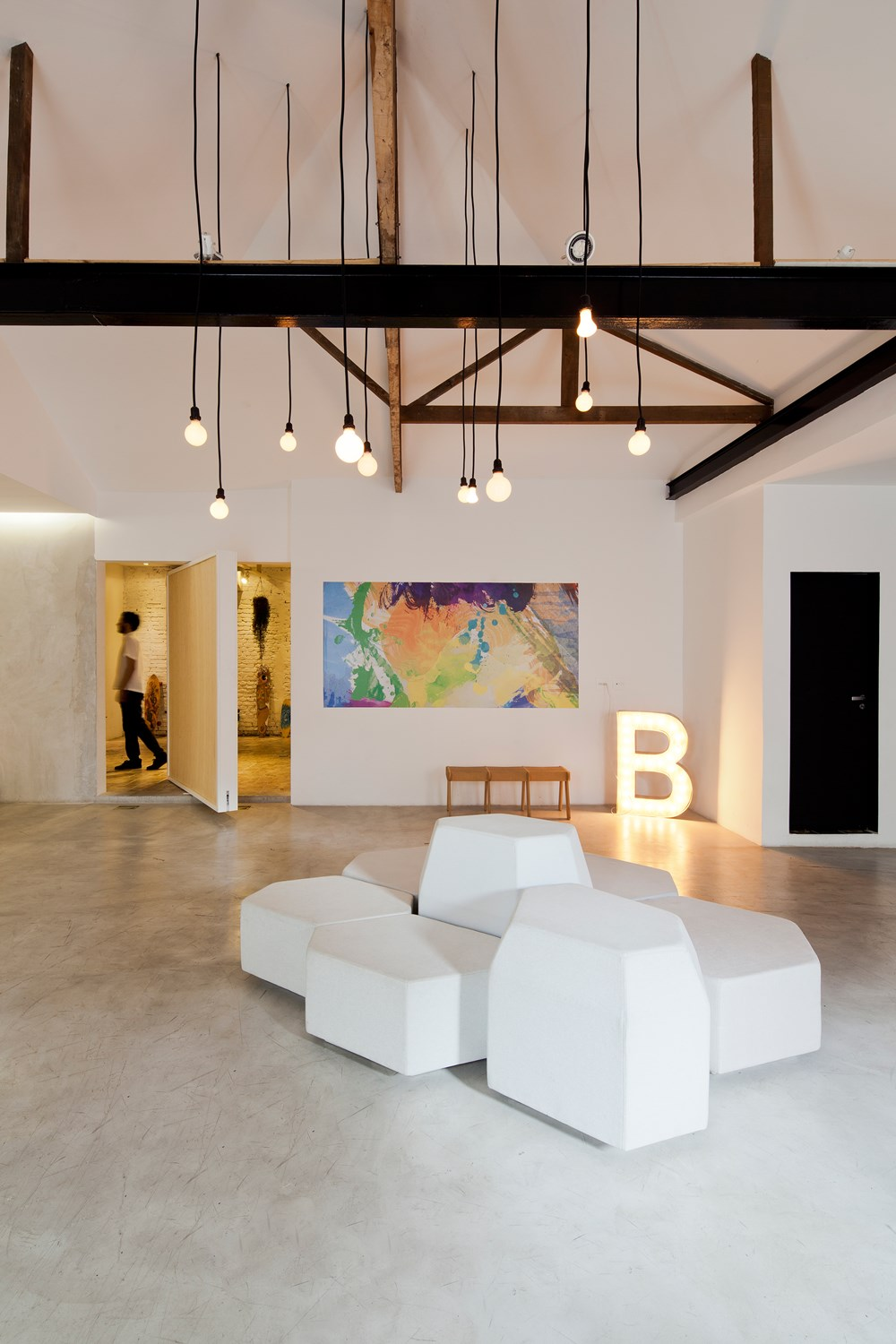 Bediff Exhibition Space by ESTUDIO BRA 05