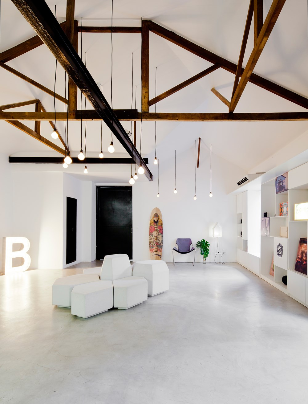 Bediff Exhibition Space by ESTUDIO BRA 07