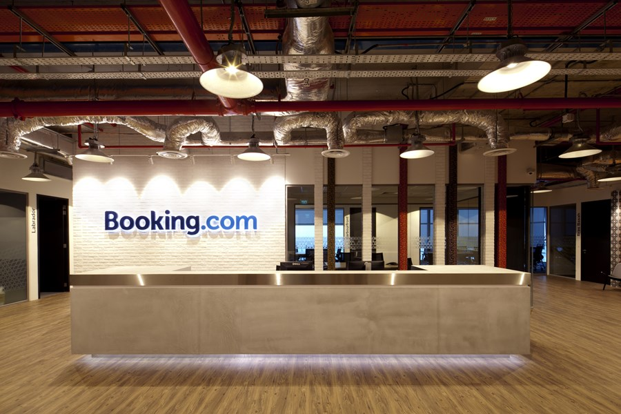 Booking.com's Singapore office by ONG&ONG group 01