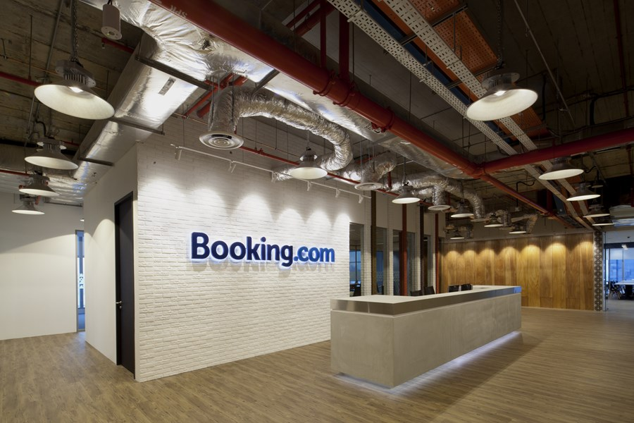 Booking.com's Singapore office by ONG&ONG group 02