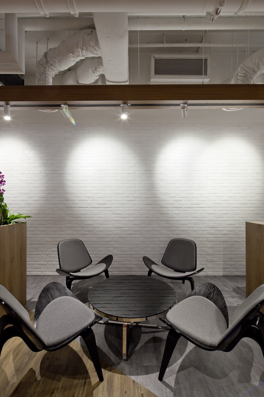 Booking.com's Singapore office by ONG&ONG group 27