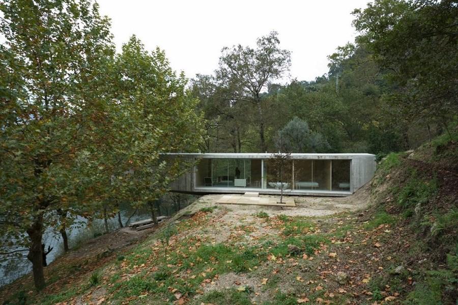 Casa no Gerês by Correia Ragazzi Arquitectos 01