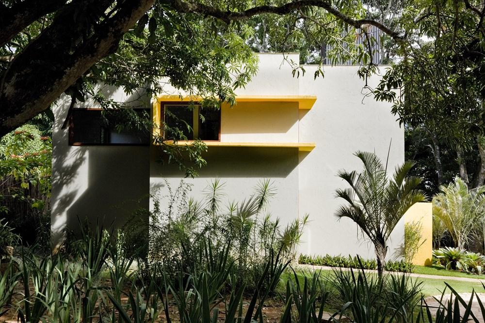 Cobogó House by Ney Lima Architect 09
