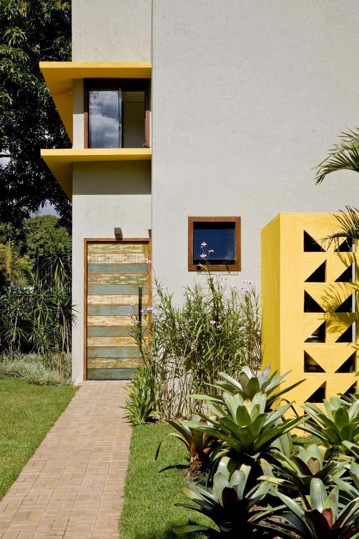Cobogó House by Ney Lima Architect 10