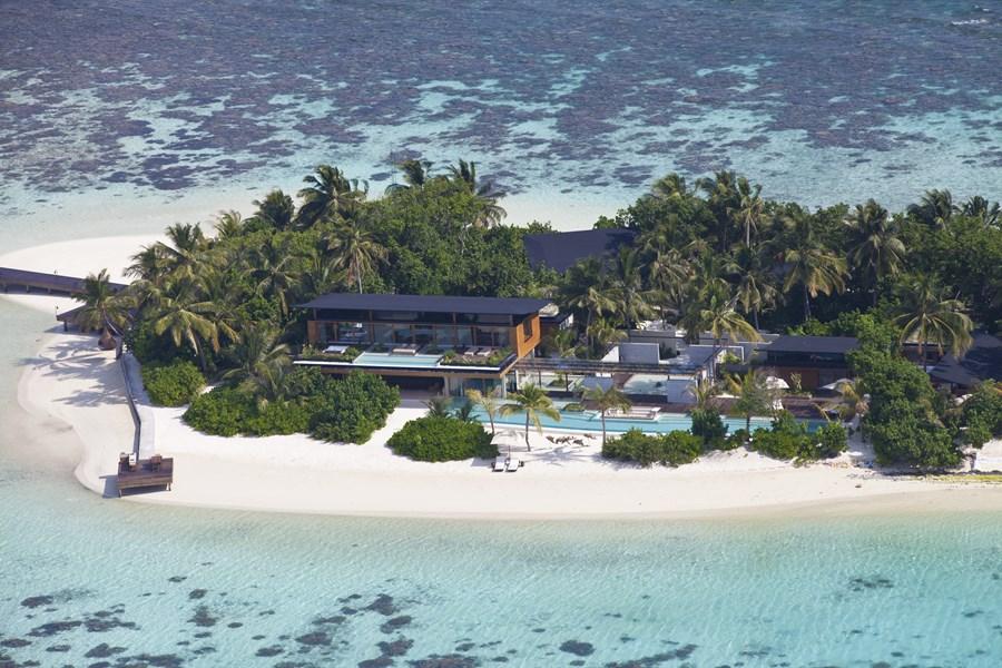 Coco Privé Kuda Hithi Island 01