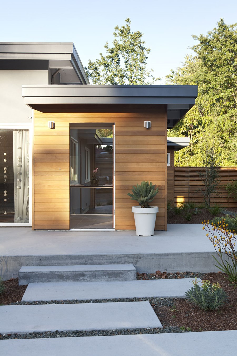 Early Eichler Expansion by Klopf Architecture 11