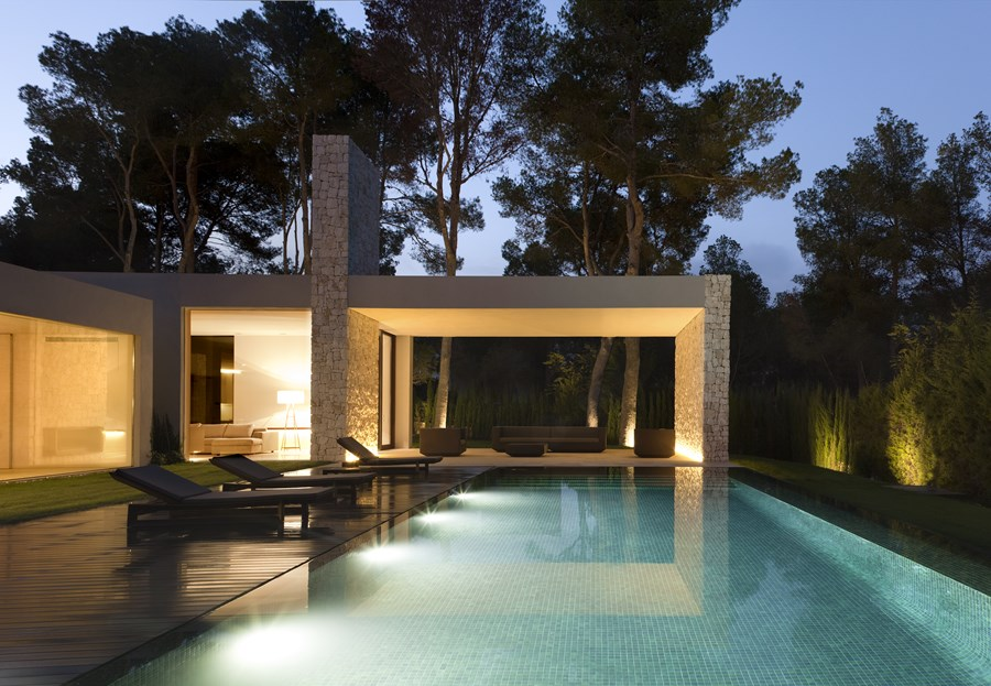 El Bosque House by Ramon Esteve 01