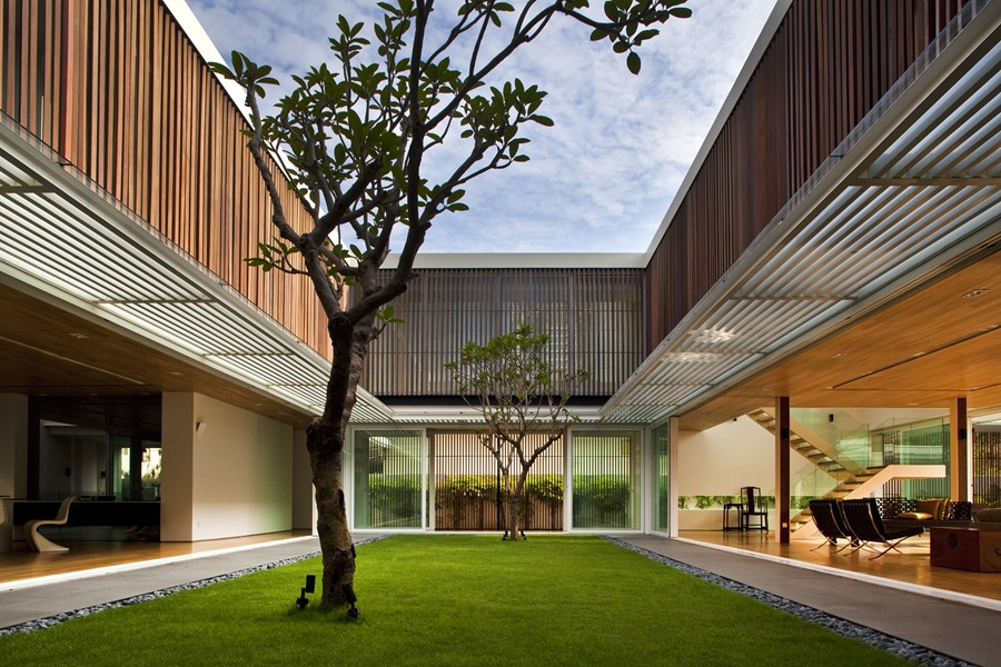 Enclosed Open House by Wallflower Architecture + Design 05
