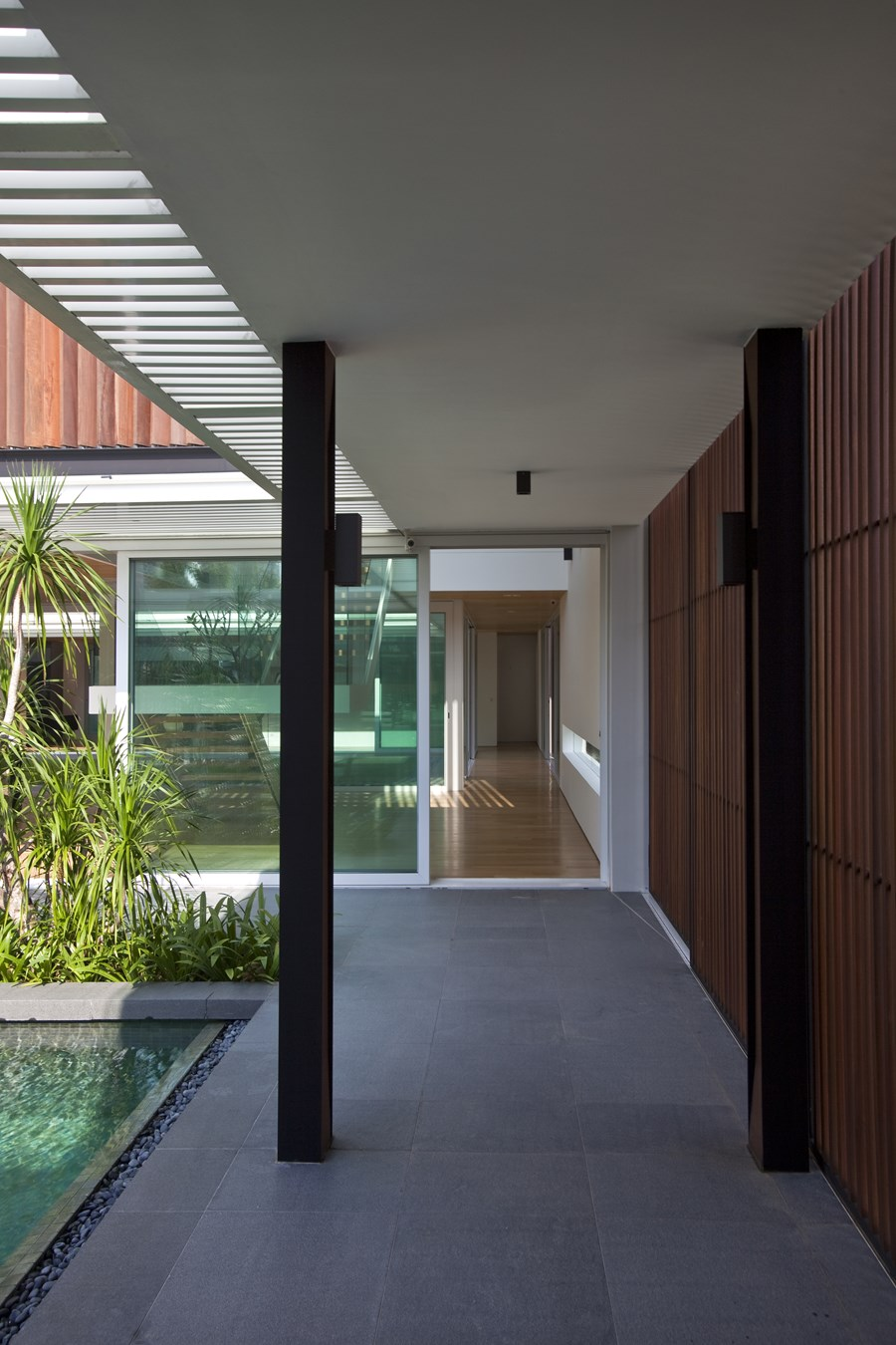 Enclosed Open House by Wallflower Architecture + Design 09