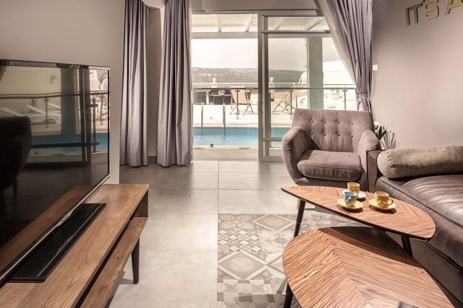 Exclusive villa by Studio Shirley Lauber 09