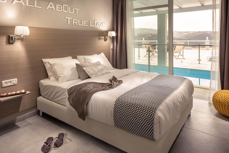 Exclusive villa by Studio Shirley Lauber 13