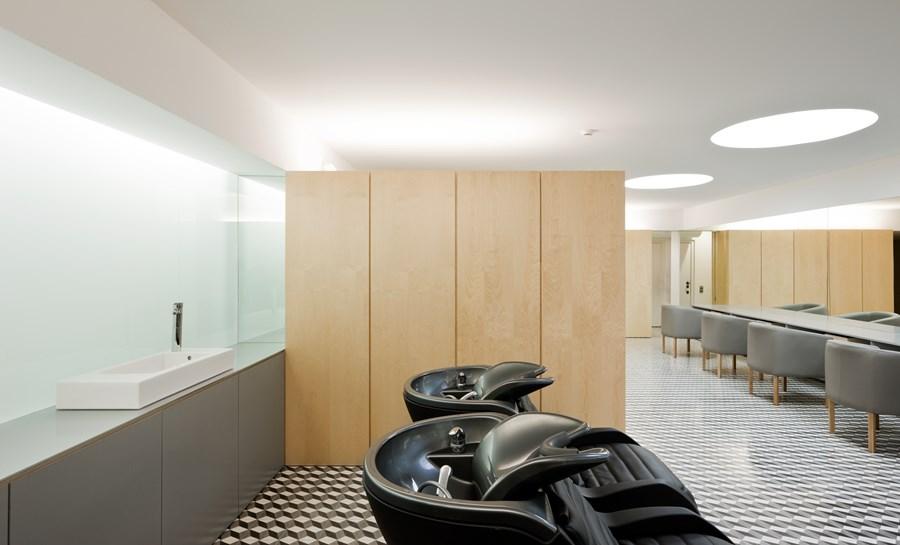 Hair Salon in Porto by Correia Ragazzi Arquitectos 04