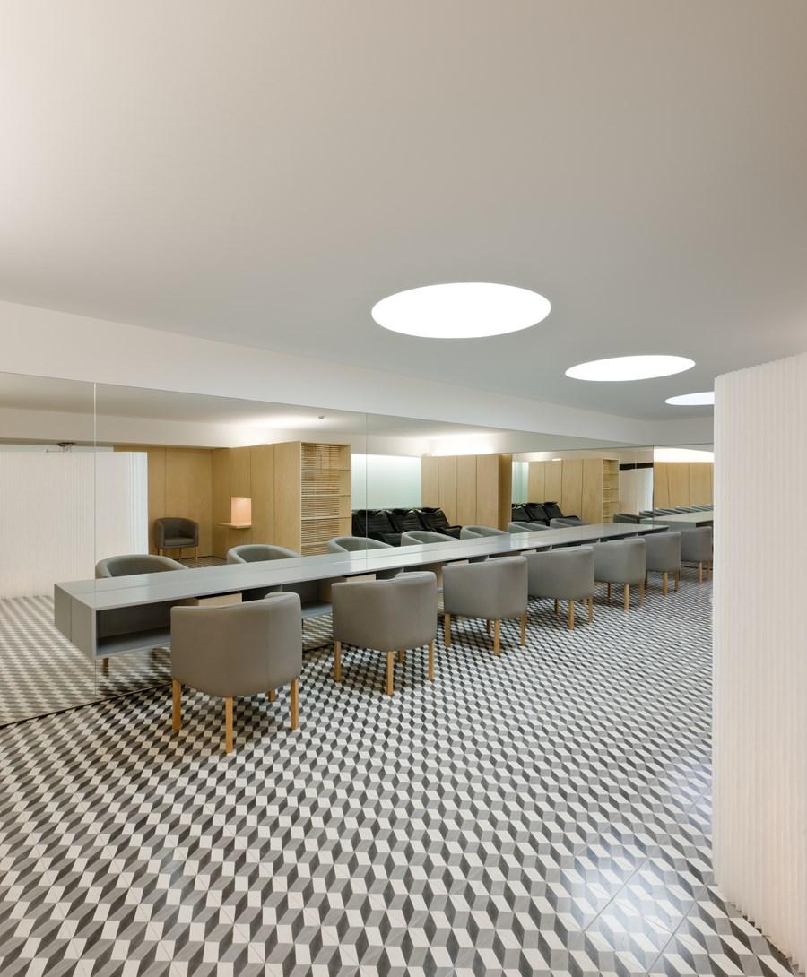 Hair Salon in Porto by Correia Ragazzi Arquitectos 11