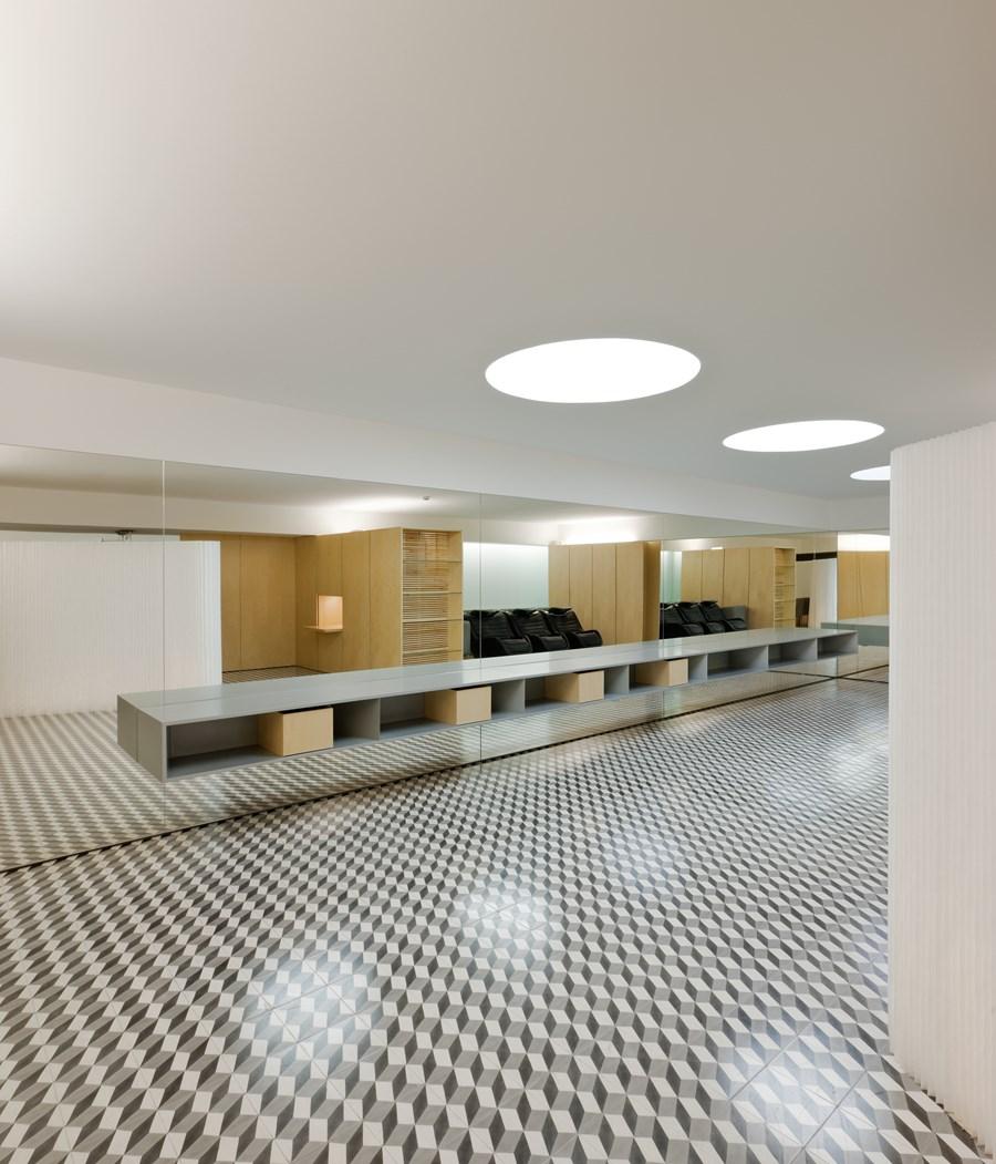 Hair Salon in Porto by Correia Ragazzi Arquitectos 12