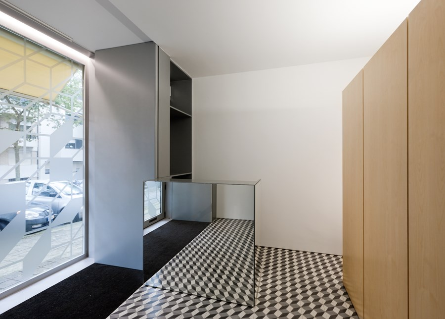 Hair Salon in Porto by Correia Ragazzi Arquitectos 17