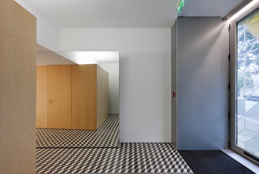 Hair Salon in Porto by Correia Ragazzi Arquitectos 18
