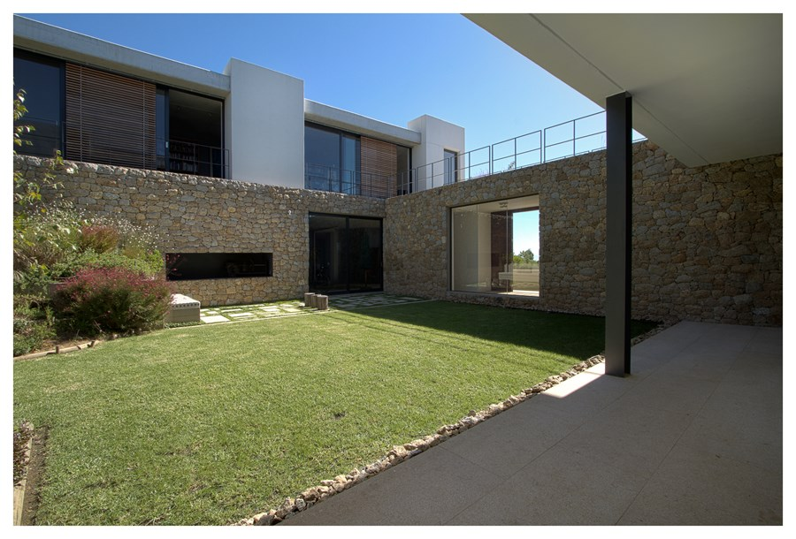 Hillside House by GASS Architecture 23