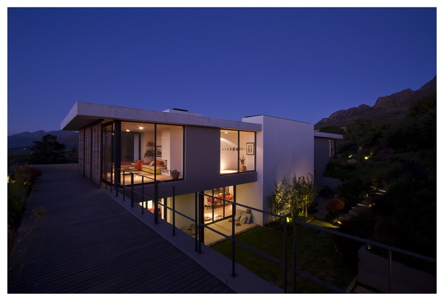 Hillside House by GASS Architecture 31