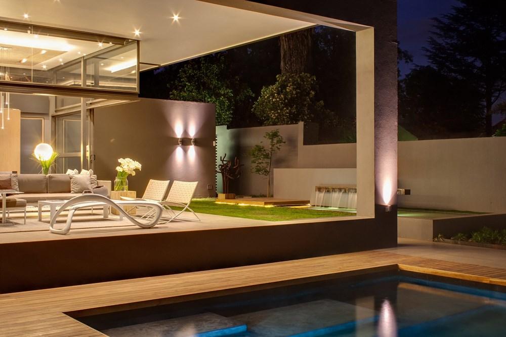 House Sar by Nico Van Der Meulen Architects 07