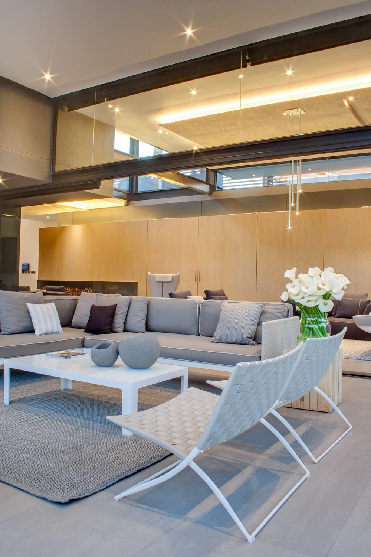 House Sar by Nico Van Der Meulen Architects 14
