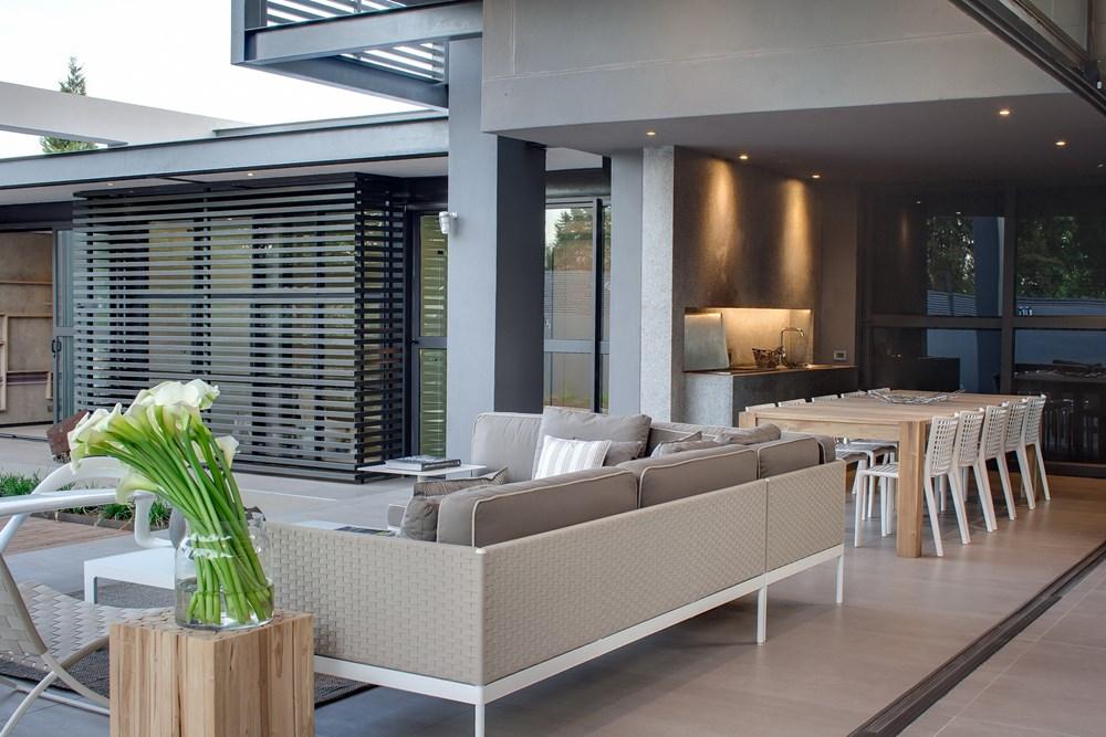 House Sar by Nico Van Der Meulen Architects 15