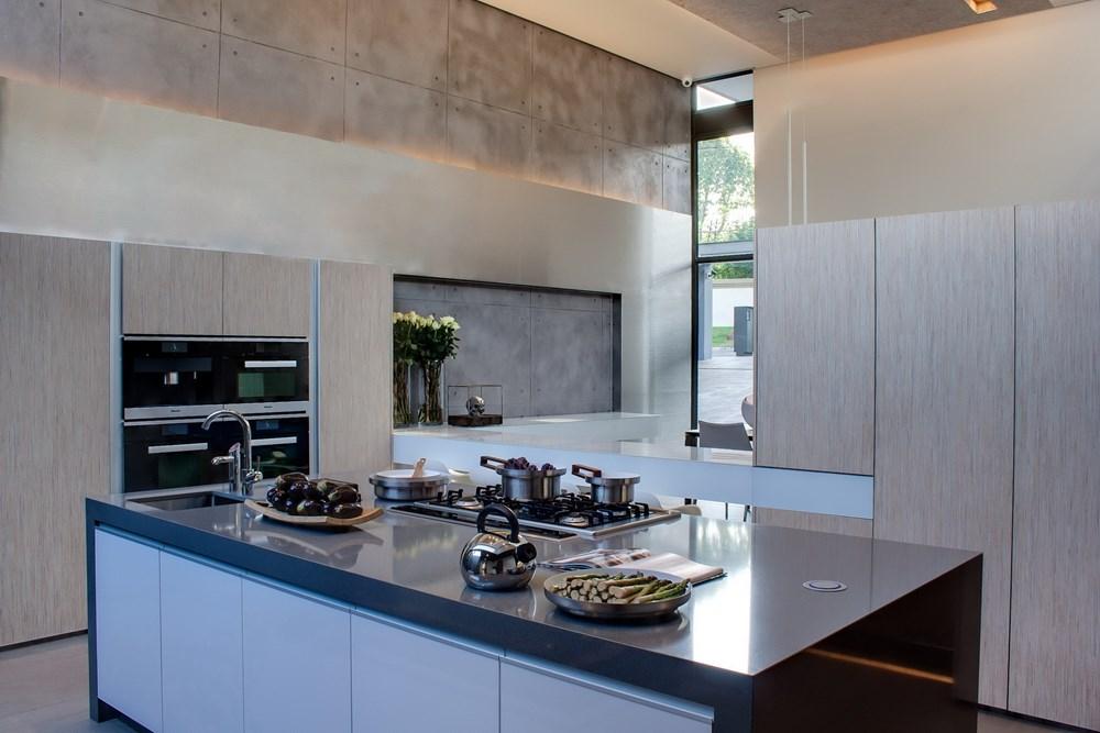 House Sar by Nico Van Der Meulen Architects 17
