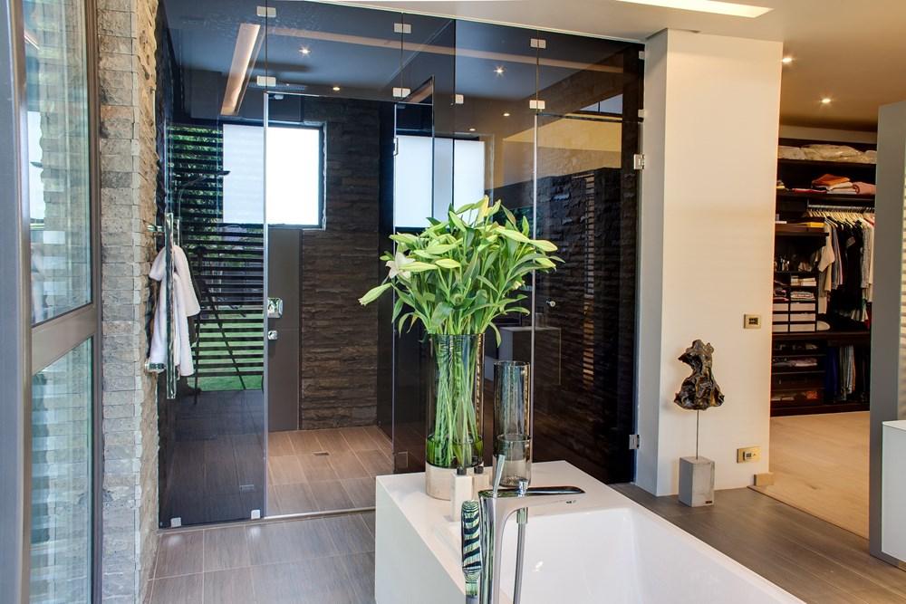 House Sar by Nico Van Der Meulen Architects 21