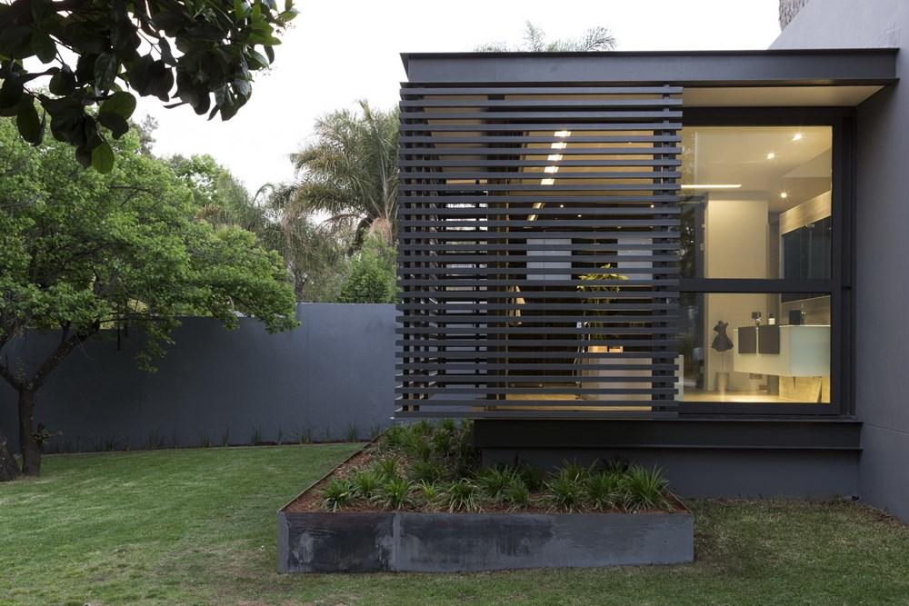 House Sar by Nico Van Der Meulen Architects 23