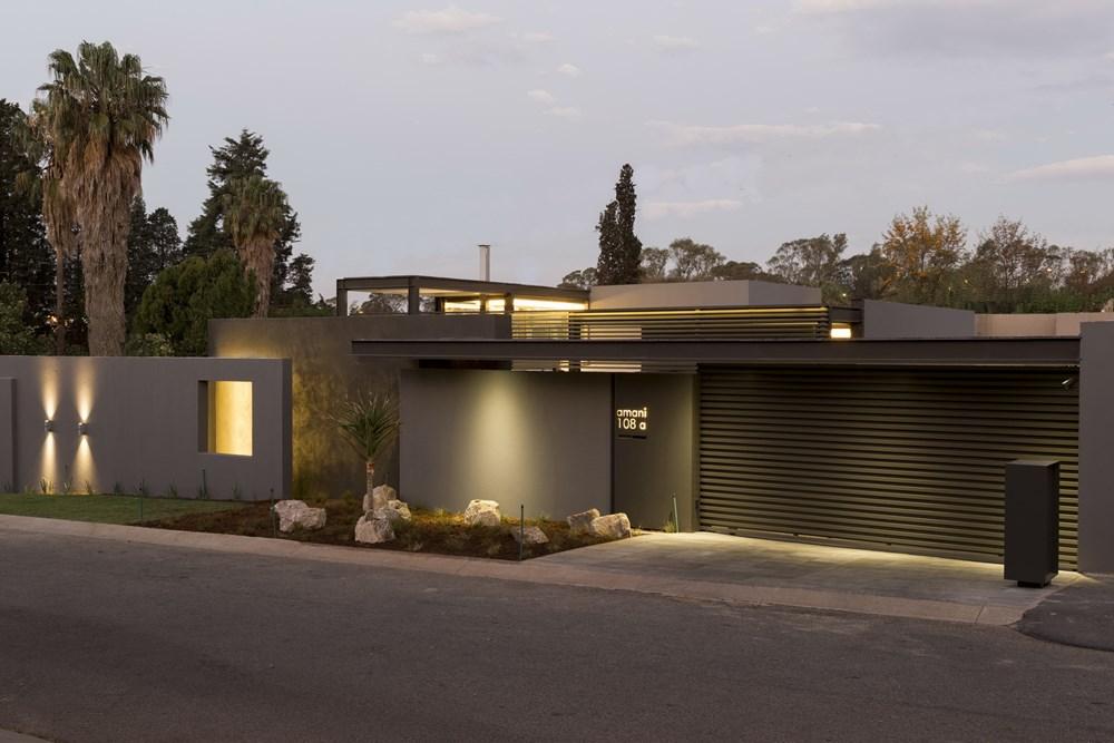 House Sar by Nico Van Der Meulen Architects 24
