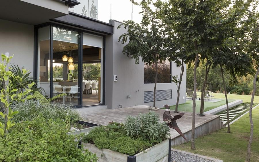 House in Blair Atholl by Nico van der Meulen Architects 27