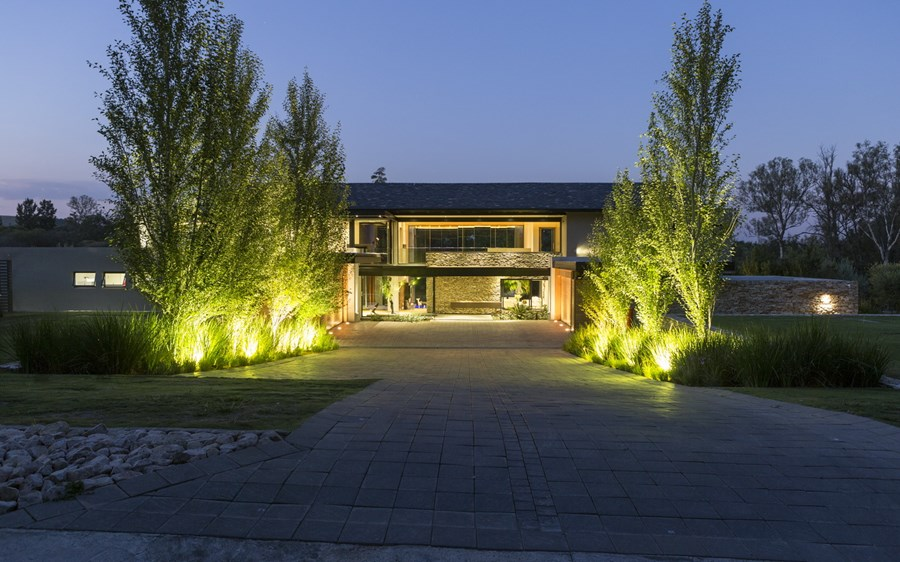 House in Blair Atholl by Nico van der Meulen Architects 32