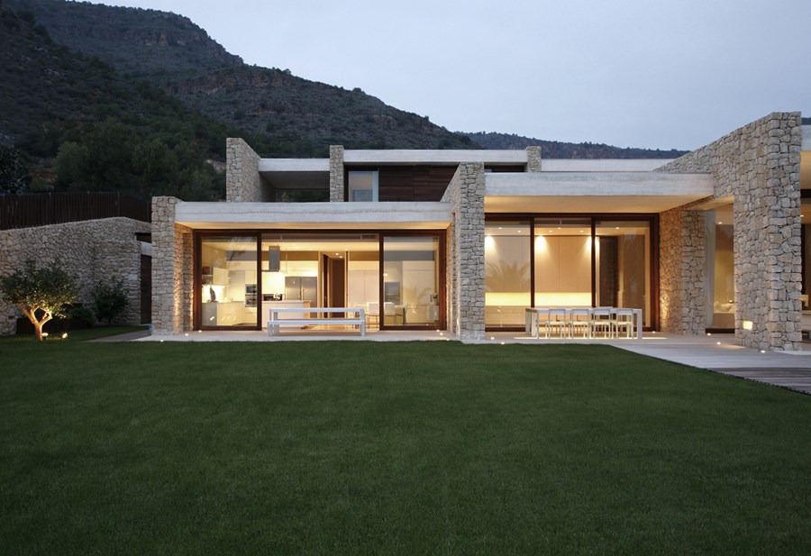 House in Monasterios by Ramon Esteve 05